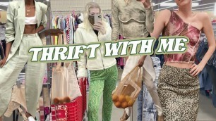 'thrift with me for some trendy y2k clothes \\ thrifting value village in vancouver, canada'